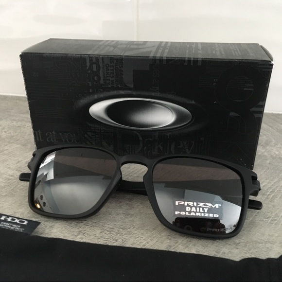 3700fbd360 Oakley Latch SQ Polarized Sunglasses